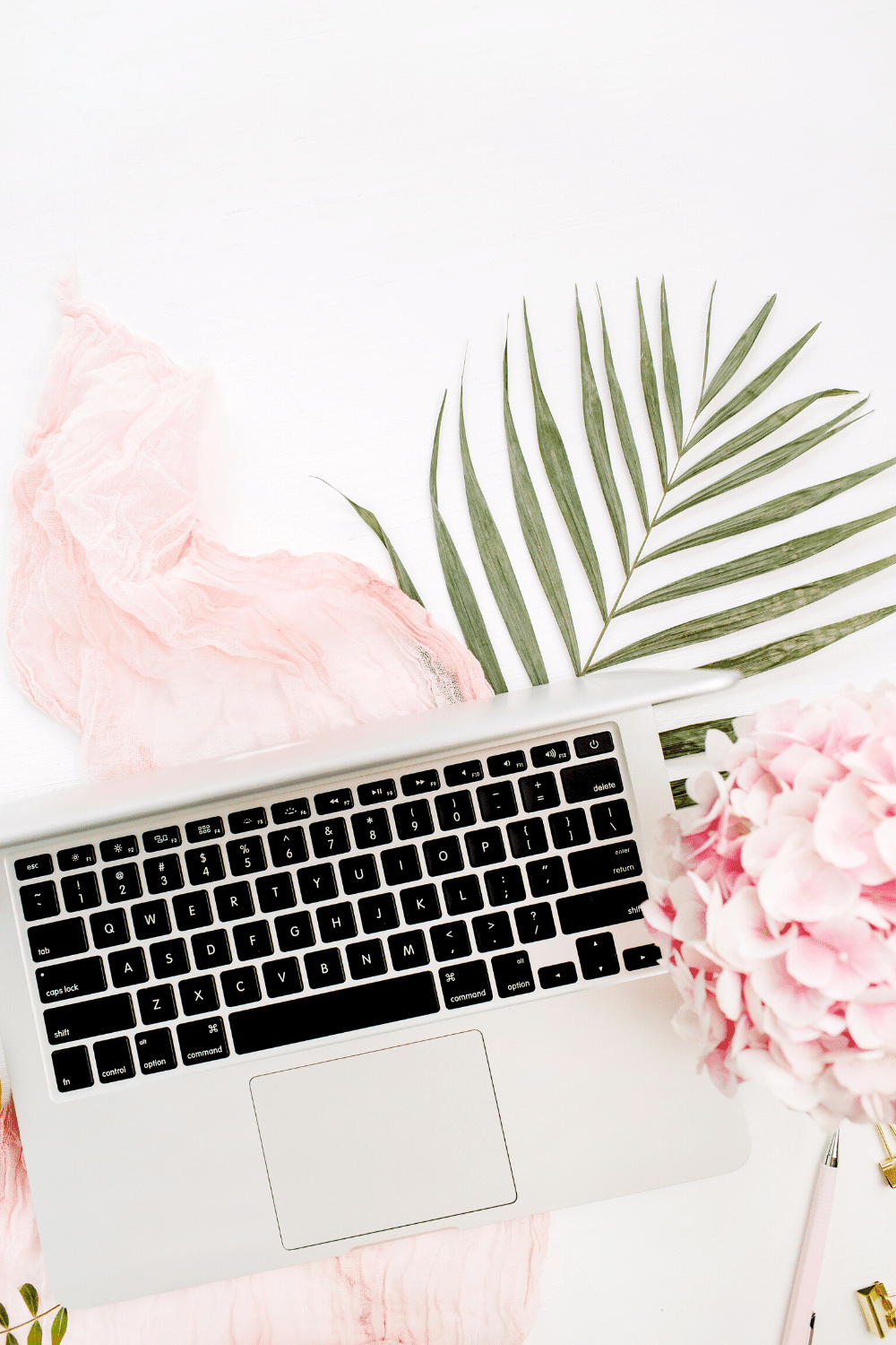 21 Best Places for Free Feminine Stock Photos for Your Blog